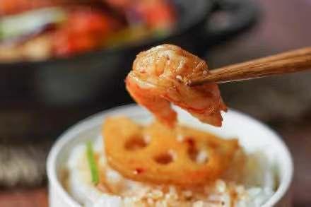 """大虾头部是""""黄""""还是""""屎"""",很多人分不清,别再乱吃"""