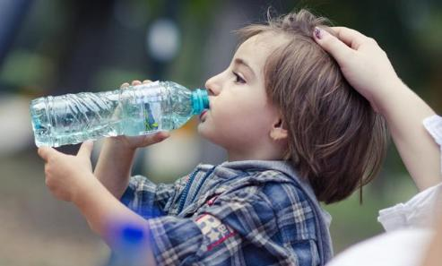 孩子咳嗽停不下来?这几个方法,对嗓子有好处