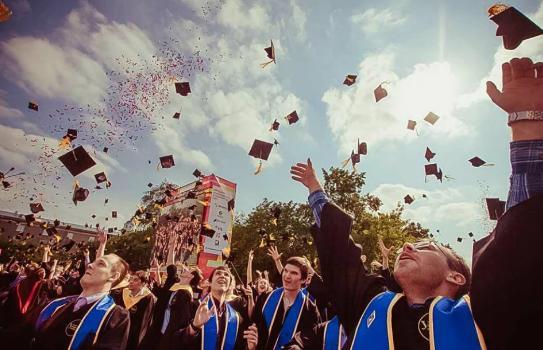 留学生毕业回国后,该怎么落户北京或上海?