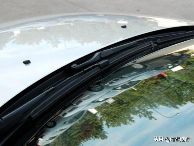 老司机总结雨刮器功能,除了刮玻璃,还有这4个,你知道几个?