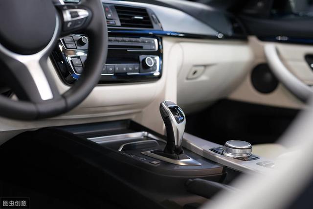 自动挡汽车行驶中,可以进行档位切换吗?看了这一篇,你就都懂了