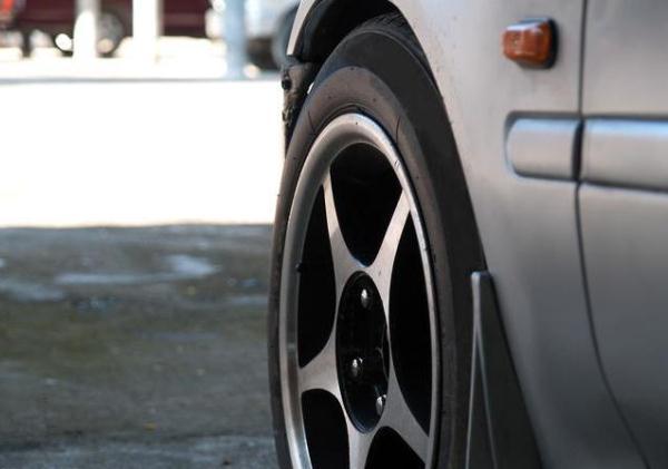 汽车轮胎最多可以用多少年?维修师傅提醒:最好别超过这个时间段