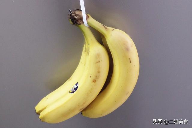 保存香蕉原来这么简单,教您一招,放久也不发黑不软烂,不怕多买