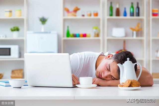 经常午睡和不午睡的人,时间久了,这4个差距可能很明显