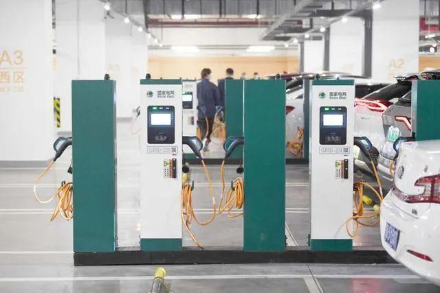 北京规模最大的集中式充电站今天投运!在这里