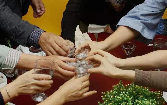 中国的酒桌文化!