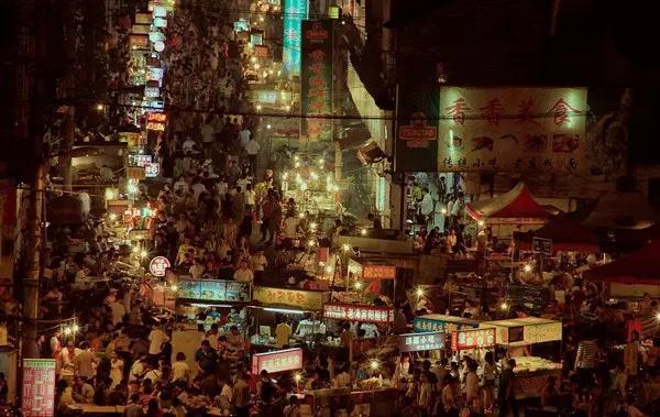 中国十大著名美食街,全去过的,才是真真正