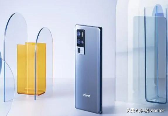 小米、iQOO、realme,即将发布三款超大杯新机,配置感人