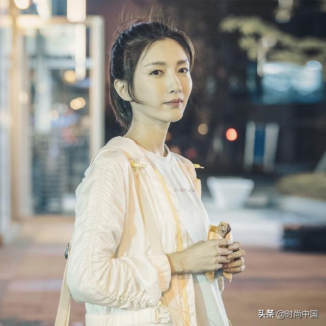 时尚中国丨三十而已,不一样的着装风格彰显不一样的生活底色