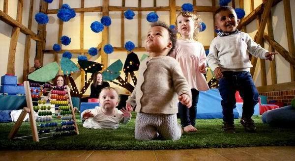 想知道2岁前的宝宝想什么,纪录片《北鼻异想世界》可以看看