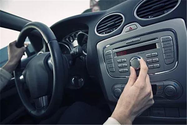 汽车上的点烟器还有什么功能?原来用途这么多,快把这5点收藏好