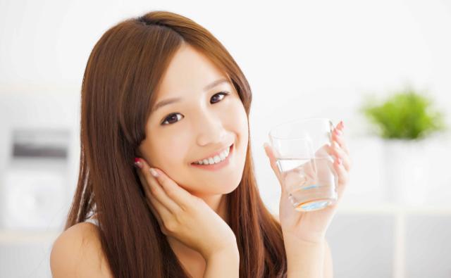 喝水一样多,有人尿很多有人却很少?今天告诉你其中的缘由