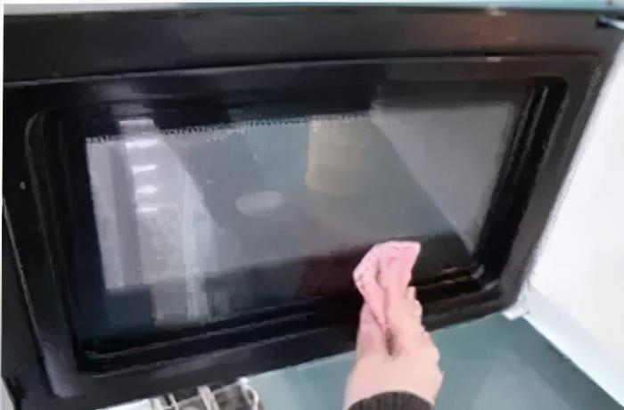 微波炉清理太麻烦了?教你一招清洁方法,15分钟快速搞定