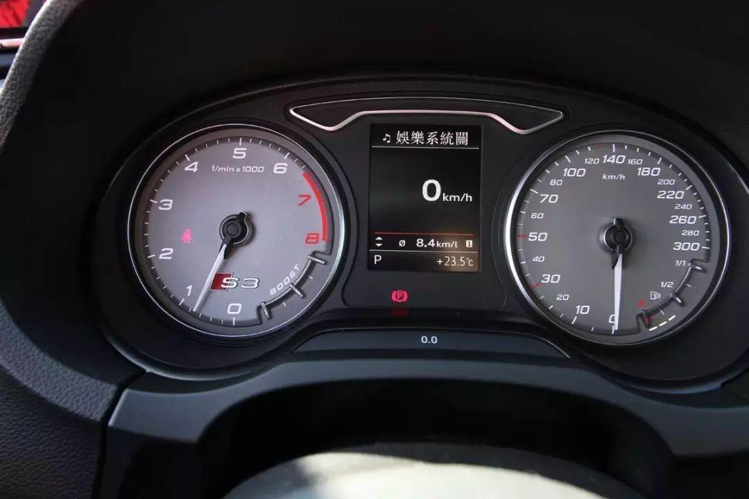 汽车上的转速表究竟有什么用?我们开车时如何利用转速表?