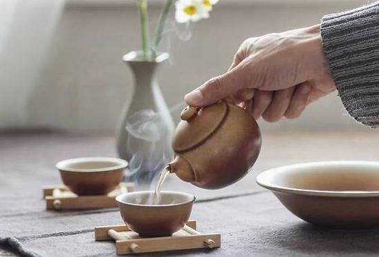 喝茶不能代替喝水?喝水到底有哪些讲究?