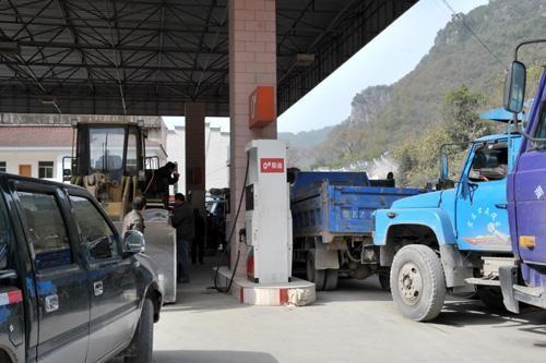 汽车为什么不用柴油机,柴油机为什么大多都用于货车?